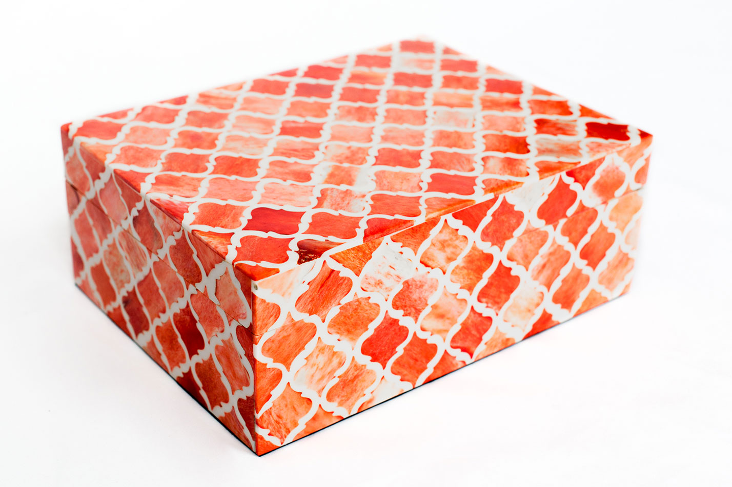 Boombox Gifts – Coral Moroccan Tile – Closed